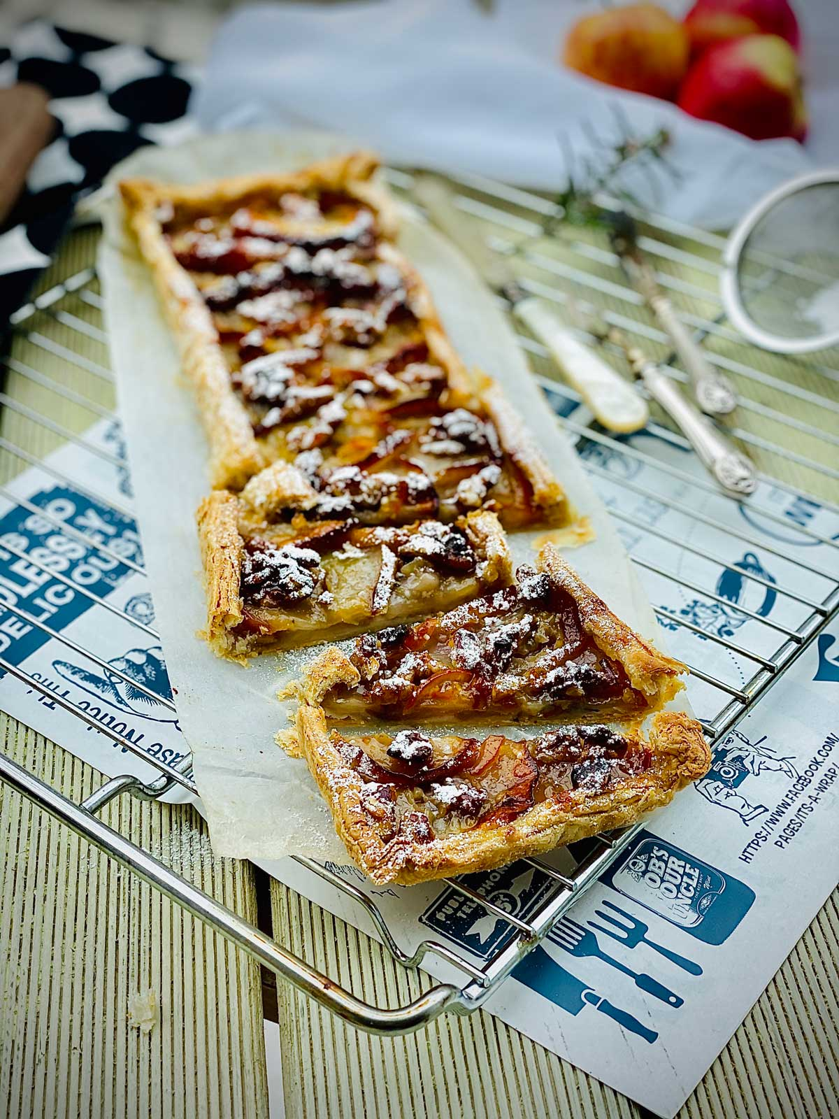 Apple and orange marmalade tart