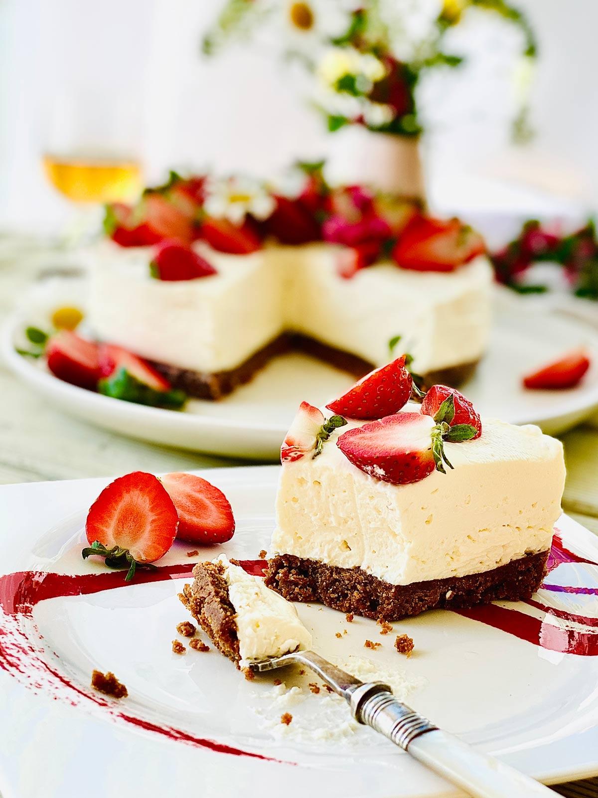 No bake Strawberry cheesecake slice