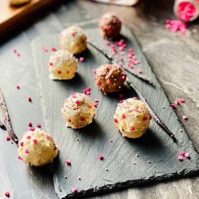 Gorgeous Homemade Cake Pops Recipe