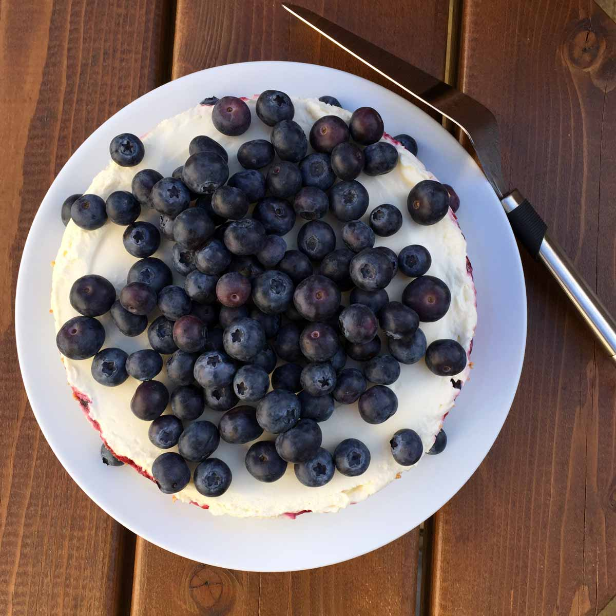 This berries and amaretti cheesecake is one of my all-time-favorite dessert recipe, a balanced and absolutely delicious treat.