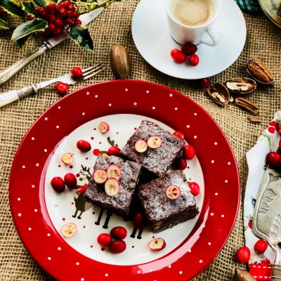 Quick, delicious, nuts and dark cacao brownies