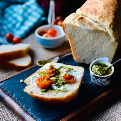 Black pepper and olive oil homemade white bread