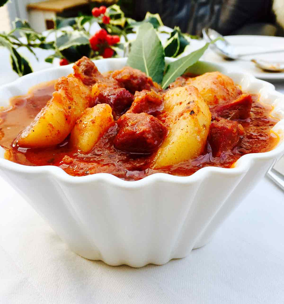This ox tongue goulash is a satisfying treat, a comforting food you can prepare in your kitchen, without fancy ingredients.