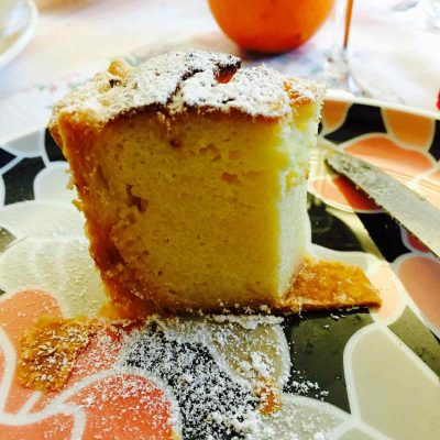 Semolina, ricotta cheese and coconut cake